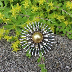 [5/$25] Vintage Pot Metal Flower Brooch Pin Retro